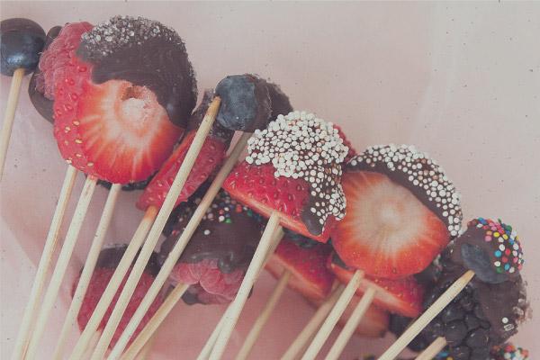 chocolate fountain fruits sweetpoptimes